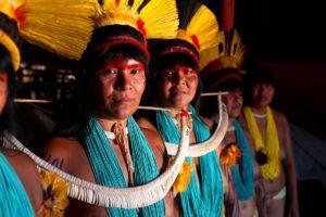 Mulheres indígenas lutam pela sobrevivência de seus povos e tradições