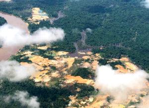 """""""Não havia ninguém lá"""" — com garimpo, Yanomami podem ter o mesmo destino do povo de Macunaíma"""
