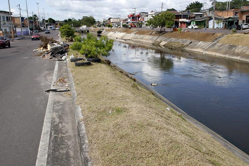 'Lá era bom'. Espaço e agentes no Igarapé do Quarenta, em Manaus